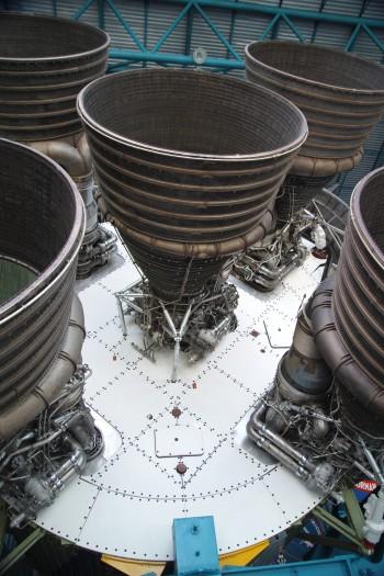 Detalles de Motores de Cohete Saturn V